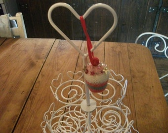 METAL CUPCAKE STAND, handpainted,hearts, weddings, valentines, romantic, home decor, serving