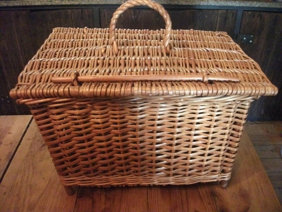 RESERVED for Ellen, sale-vintage wicker  PICNIC BASKETS, farmers lunch box, Treasury item, Chinese,large, 40 x 28 x 26 cm