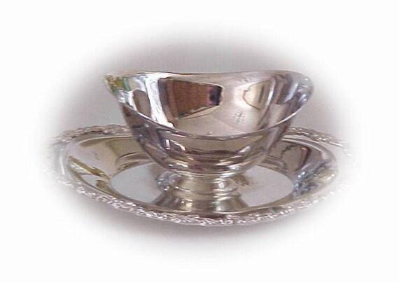 Vintage Oneida Royal Provincial Gravy Sauce Boat Silverplate