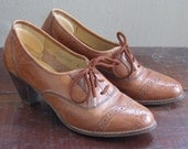 60s Honey Brown Leather Oxford Shoes Granny Shoes Flings