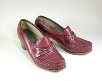 1970s Oxblood Heeled Loafers Leather Granny Shoes Womens Size 6M