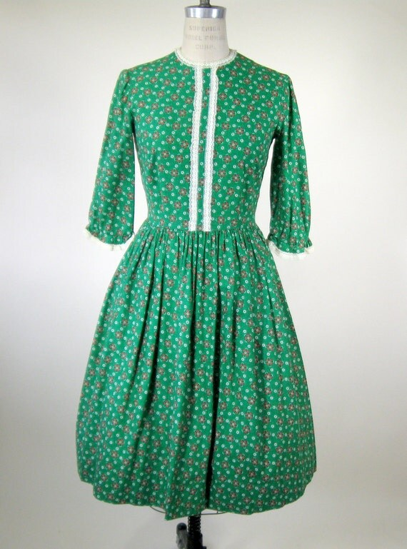 60s Green Floral Prairie Dress Lace Trim Size Small