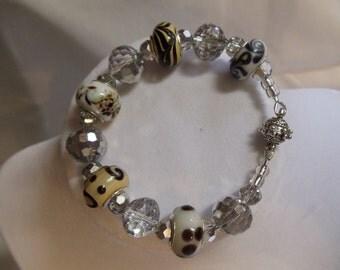 "7"" Brown and Black Beaded Bracelet"