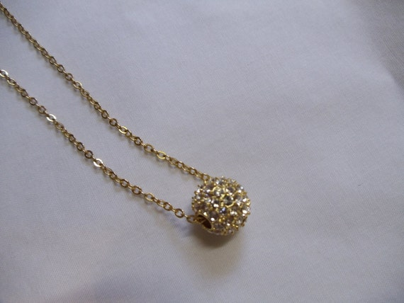 """18"""" Round Gold Crystal Necklace on Gold Chain"""