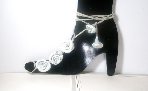 White  Barefoot Sandals, White    Leather Rose  Flowers  Anklet sexy  barefoot sandles