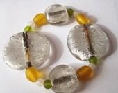 Chunky White Yellow Green Glass Bead Bracelet
