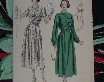 Vintage Pattern 1950's Vogue No.6409 Dress, Size16, Bust 34