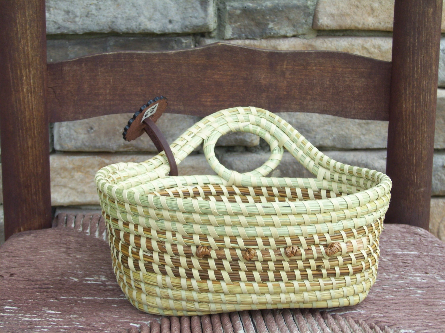 How To Weave A Sweetgrass Basket : Gullah sweetgrass single loop bread basket