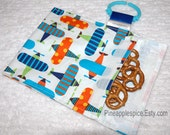 Traveling snack bag in Ready set go Airplanes GREAT for KIDS Clips onto almost anything