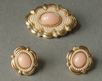 Vintage Avon Victorian Spring demi parure, 1988, pink cabochon gold enamel brooch and earring set, faux pearls brooch, pink wedding jewelry,