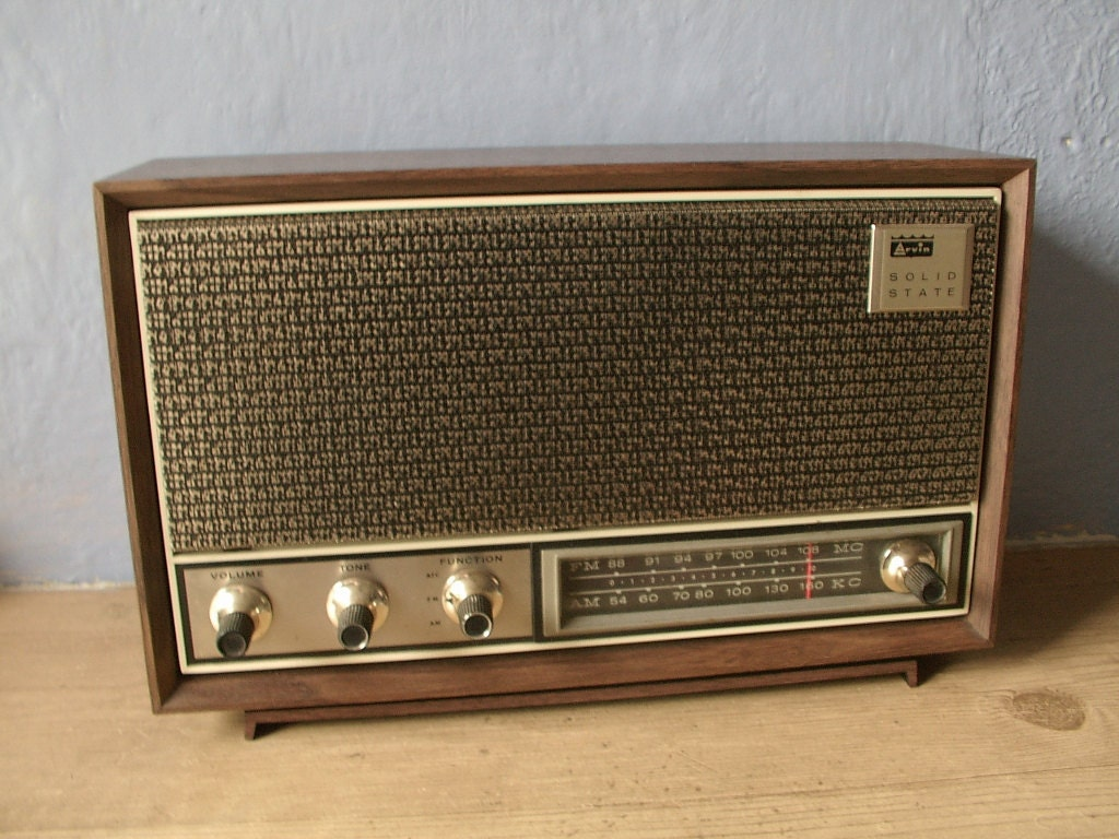 Radio a transistores also Blast From The Past Vintage Technologies That We No Longer Use additionally Electronics Industry besides 47717 Digital Hearing Aid History besides Galaxy DX 93T. on transistor radios 1970s
