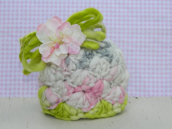 Newborn Sweet Pea Hat photography prop, Ready-to-Ship