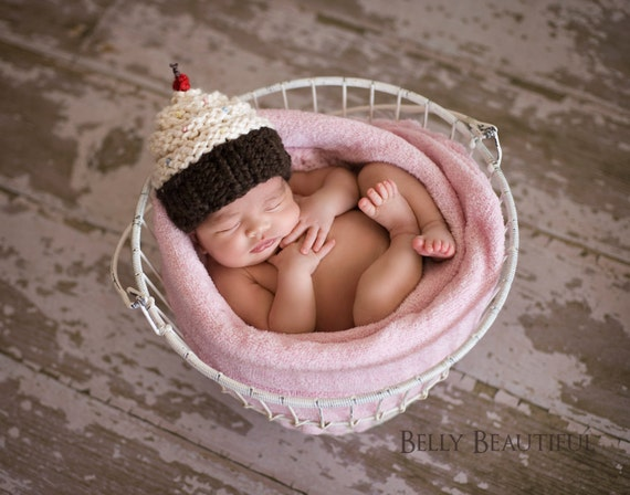 Knitted Cupcake Hat Pattern : Cupcake Hat Knitting Pattern Knit Baby Cupcake Hat Newborn