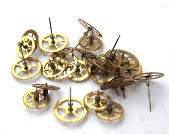 Steampunk Watch Pieces and Parts - 25 small vintage brass watch gears Cogs Wheels