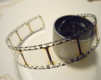 Tim Holtz Idea-ology Ribbon 3 Yards  of Vintage Distressed Film Strip (412067)