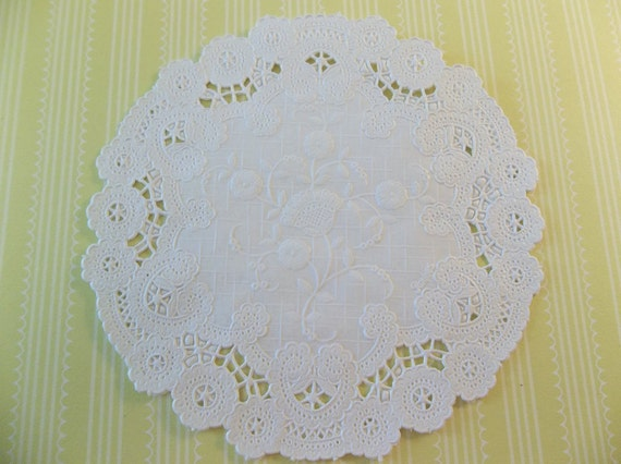 NEW: French Lace 5 inch White Round Paper Doilies with Floral Pattern by Royal Lace - Qty 36