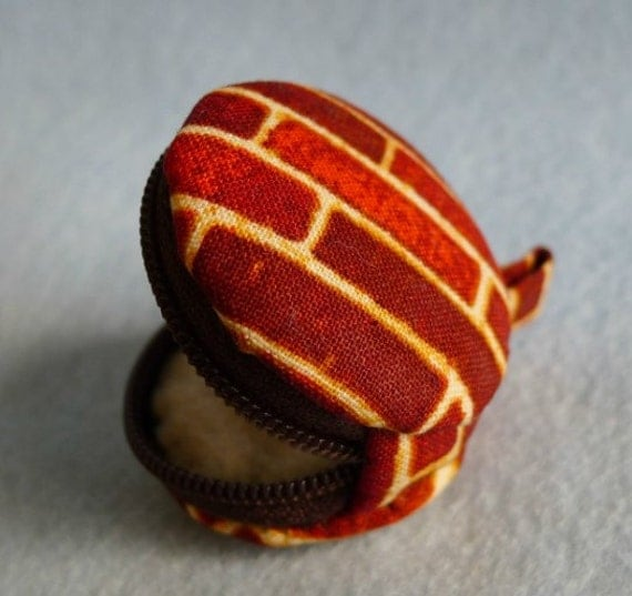 macaron shape brick wall pattern tiny coin pouch