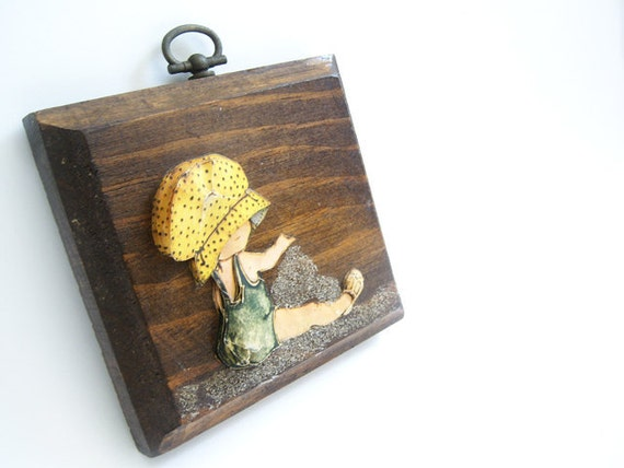 Vintage Girl with Yellow Bonnet Plaque