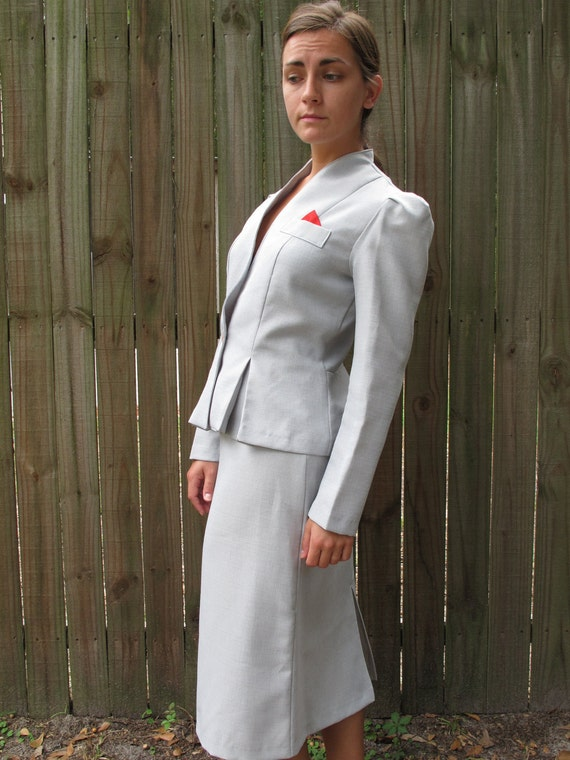 1970s Skirt Suit / Vintage Modern Power Suit / 70s Stewardess Costume