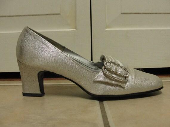 Vintage 1960s Heels / Silver Lame Loafer Heels / 60s Wedding Shoes / Size 5.5 or 6