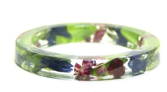 Flower Bracelet-Flower Jewelry-Green Bracelet-Resin Bangle-Jewelry with Real Flowers-Green Jewelry-Green Leaves-Purple Bracelet-Pink Jewelry