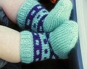 Hand knit Baby Socks Green Navy Blocks for Toddler