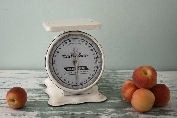 Vintage 1960's White Kitchen Queen household scale