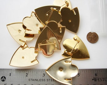 5 vintage Shield gold tone brooches with bails and pin back HC015.