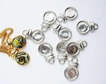 8 Museum Drop pendant findings in silver tone HC079.