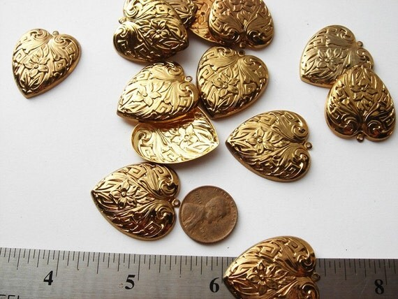 20 pieces Vintage gold tone Flowered Heart Charms HC024.  Valentines special 7.99
