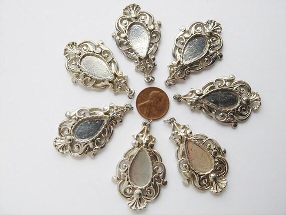 7 Vintage Scrolly Silver Teardrop pendants HC131.