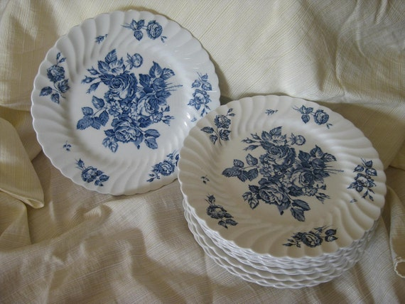 Blue and White Devon Sprays Johnson Bros Dinner Plates
