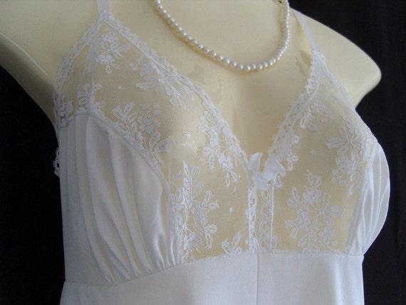 1970's white nylon lacy full slip by Keynote - U18