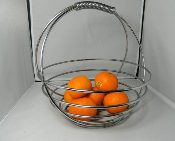 Mid Century Metal Wire Fruit Basket with Handle