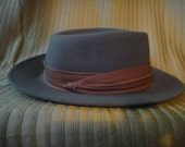 Stylish Vintage Men's Arlin hat - Gray, 100% wool - Excellent condition