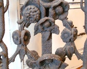 FAB Antique Architectural Salvage Panel Scrolls Flower Ornamental Iron