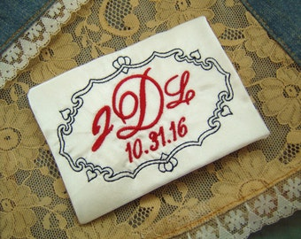 embroidered monogrammed wedding dress label w frame 4