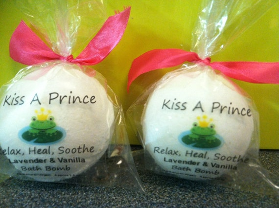 Choose any 3 Bath Bombs  Made with Dead Sea Salt and Essential oils   4oz each