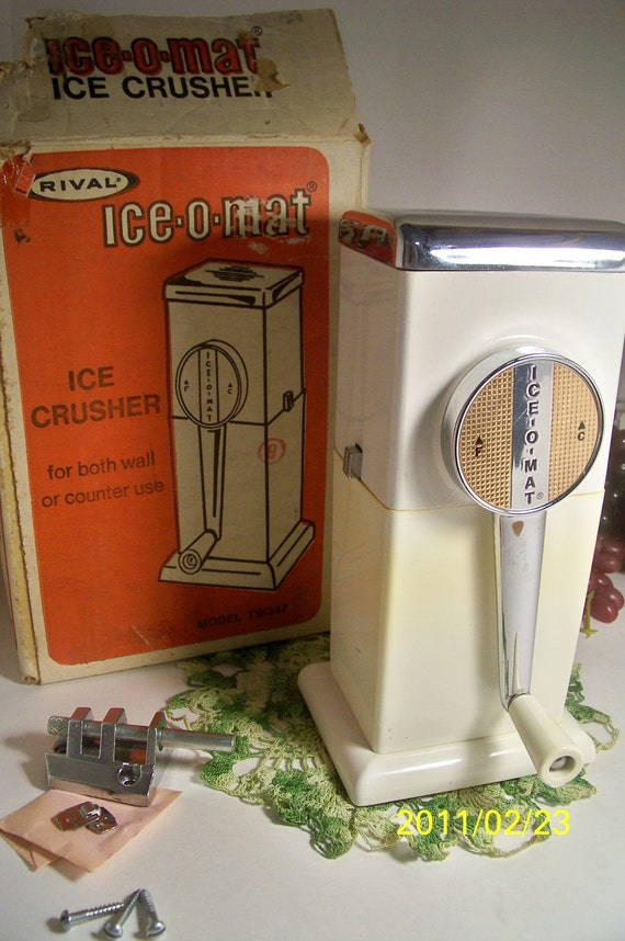 Vintage Rival Ice-o-mat  Ice Crusher 1950's Retro Table or Wall Mount