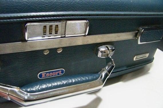 Hard Suitcase Medium Deep Blue American Escort Luggage