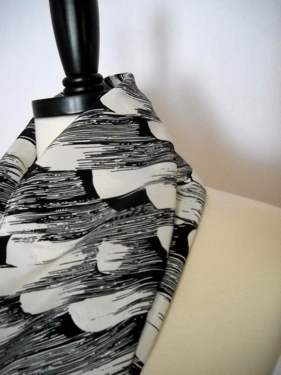 Black and White Vintage-Pattern Scarf