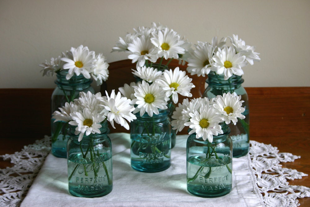 Vintage blue ball perfect mason canning jars for wedding