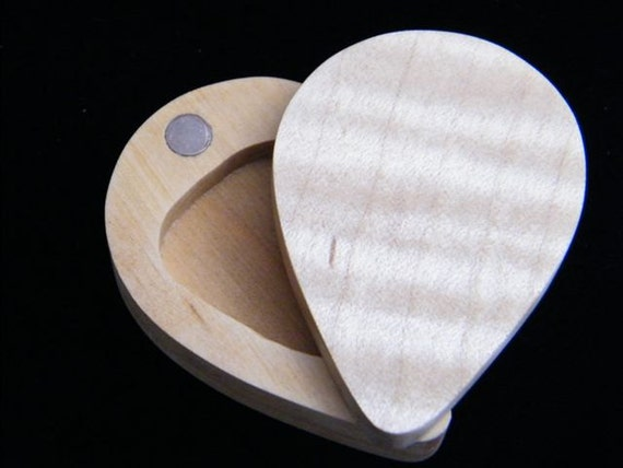 guitar pick box holder from tiger maple wood by cowboysgallery. Black Bedroom Furniture Sets. Home Design Ideas