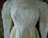 Wedding dress 1970s vintage Romeo and Juliet bohemian style bridal gown empire waistline