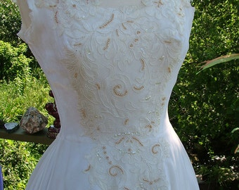 Rich Vintage velvet wedding dress 1950s velvet and beaded appliques bridal gown stunning