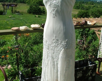 Wedding dress 1920s vintage inspired white with crystal beadwork sequins flutter skirt flapper gown retro