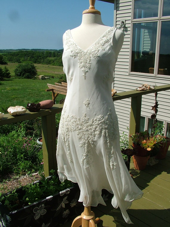 Wedding dress 1920s vintage inspired flapper style beaded silk for 1920s vintage style wedding dresses