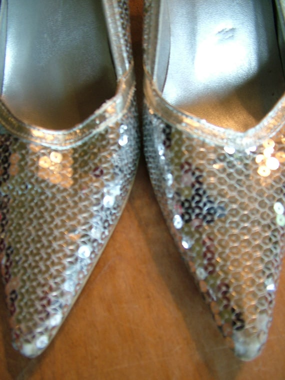 Silver sequined heels pumps shoes wedding dress perfect new years eve size seven