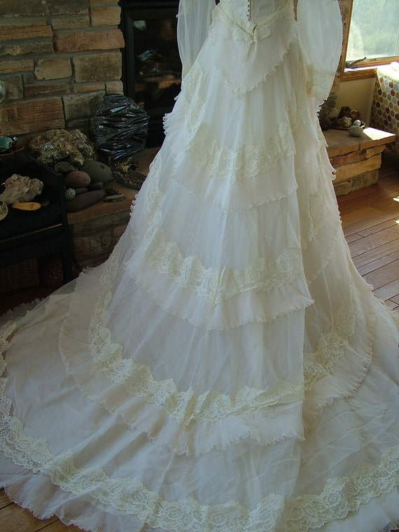Vintage wedding dress 1970s victorian style lacey layers