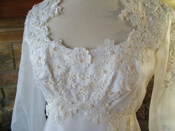 Wedding dress 1970s vintage victorian hippie boho bridal gown empire waistline wateau train
